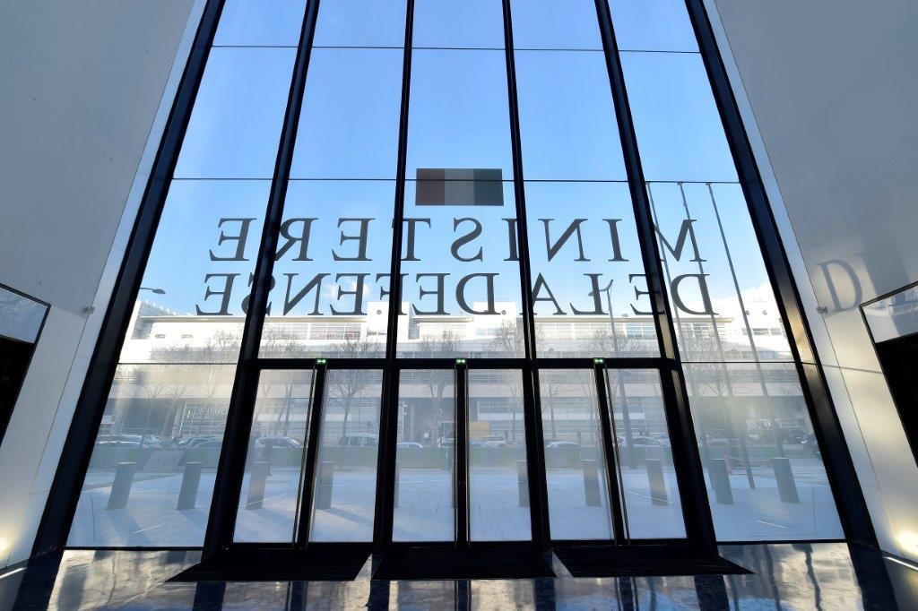 L p e vitrage vitrerie habitat abbeville minist re for Ministere de defense